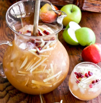 halloween punch recipe | sparkling apple cider sagria
