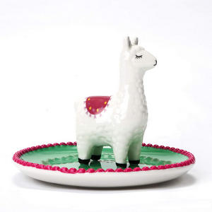 cute-ring-holder alpaca