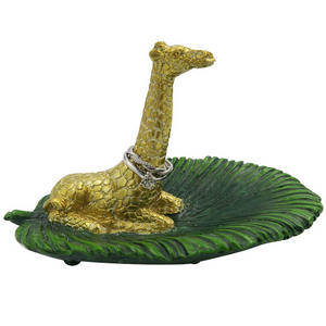 cute-ring-holder giraffe