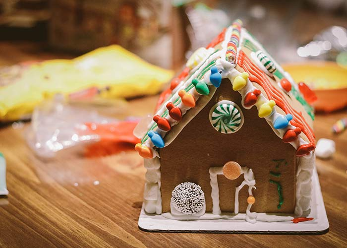build gingerbread house festive frugal date