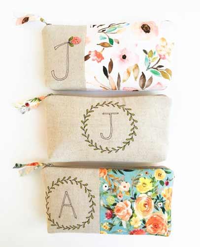 Initial Monogram Makeup Bag | baby-shower-hostess-gift-ideas