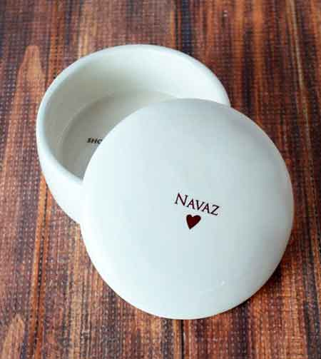 Personalized Keepsake Box | baby-shower-hostess-gift-ideas