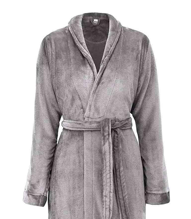 gifts-for-capricorn-bath-robe